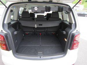 イタリア・キヴィ製の車いす収納リフト「ピラーリフト」
