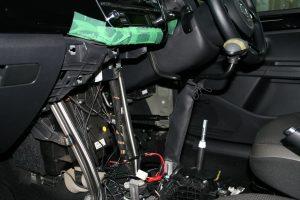 オデカレンタカーの福祉カーにカロスピードメノックスを後付け改造