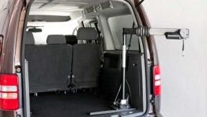 スウェーデン・オートアダプト製の車いす収納リフト「カロリフト40」