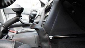 スウェーデン・オートアダプト製の手動運転装置「カロスピードメノックス」