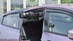 イタリア・KIVI(キヴィ)製の車いす収納リフト、ピラーリフト