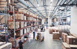 スウェーデン・オートアダプト社の倉庫写真