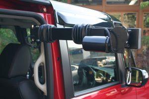 イタリア・KIVI製の車いす収納リフト「ピラーリフト」をNBOXに取付け改造する