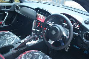 トヨタ86に手動運転装置「カロスピードメノックス」を取付ける改造を実施