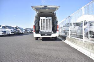 レジアスエース(ハイエース)を車いす仕様車「スロープタイプ」の福祉車両に改造