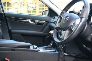 運転補助装置付レンタカー。「手動運転装置」、「左アクセル」付きレンタカーをラインナップ