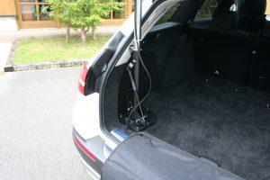 メルセデス・ベンツEクラスステーションワゴン×車いす収納装置カロリフト40