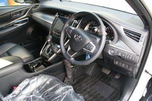 トヨタハリアーに手動運転装置「カロスピードメノックス」を取り付ける改造