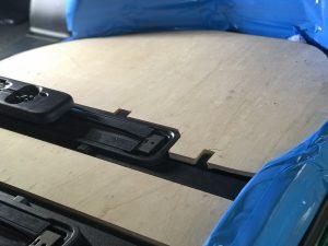 福祉車両カスタマイズ。トヨタアルファードを車いすスロープにカスタマイズ。スウェーデン・フィエル製のフィエルランプ。