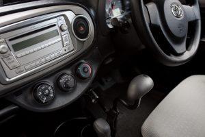 手動運転装置「カロスピードメノックス」を装備したトヨタヴィッツ