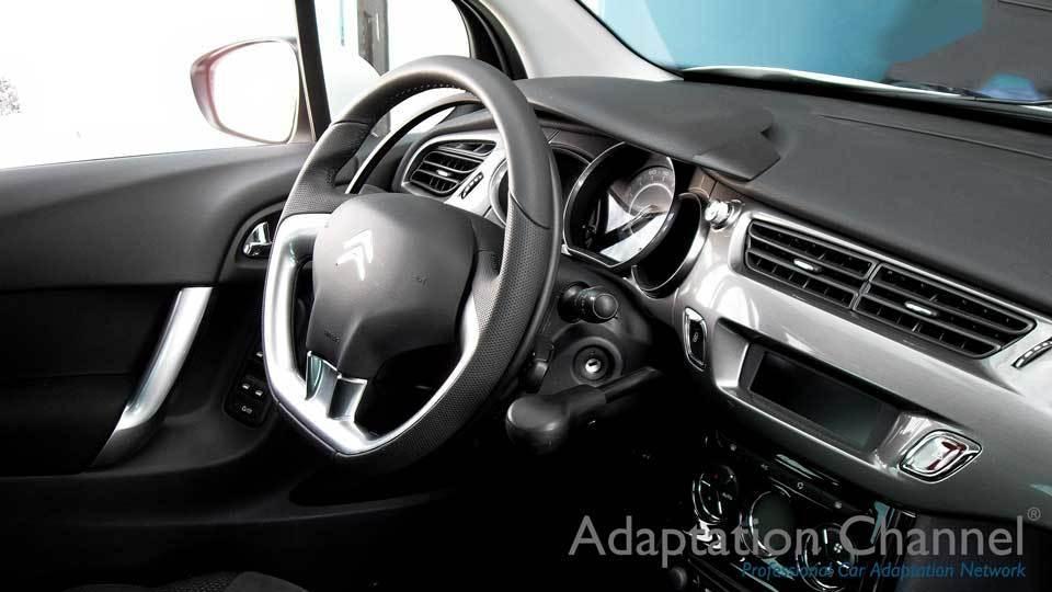 シトロエン DS3に手動運転装置アクセルリング&ブレーキレバーを導入