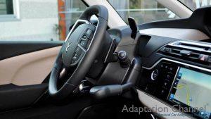 シトロエン C4 ピカソに手動運転装置アクセルリング&ブレーキレバーを導入