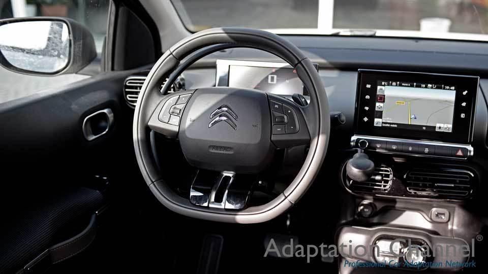 シトロエン カクタスに手動運転装置アクセルリング&ブレーキレバーを導入