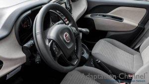 フィアット ドブローに手動運転装置アクセルリング&ブレーキレバーを導入