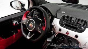 フィアット アバルトに手動運転装置アクセルリング&ブレーキレバーを導入