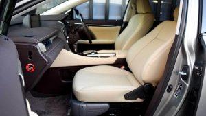 レクサス RX450hの助手席に、ブラウンアビリティ製リフトアップシート ターニーエヴォを導入。