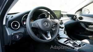 メルセデスベンツ Cクラスに手動運転装置アクセルリング&ブレーキレバーを導入