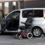 トヨタ ファンカーゴ×車いす回転シートシステム カロニー