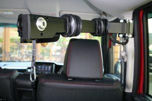ホンダ N-BOXのBピラーに、イタリア・KIVI(キヴィ)製車いす収納装置 ピラーリフトを導入。