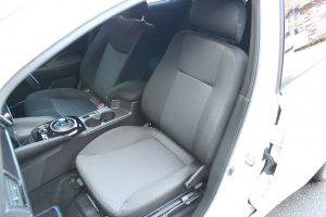 日産 リーフ(LEAF)の助手席に、ブラウンアビリティ製回転シート ターンアウトを導入。