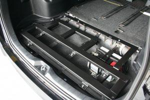 トヨタ ヴォクシーに、スウェーデン・フィエル製車いすスロープ フィエルランプBGR25-3を導入。