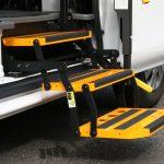 福祉車両改造事例-日産 NV350キャラバン×折りたたみ式補助ステップ