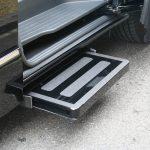 福祉車両改造事例-日産エルグランド×補助ステップ