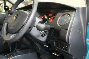 スズキ セルボに、後付け手動ブレーキレバー[LF901]を導入。